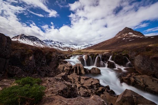 Iceland_waterfall.jpg.b813c73c15567ee0255094515bd144a2.jpg
