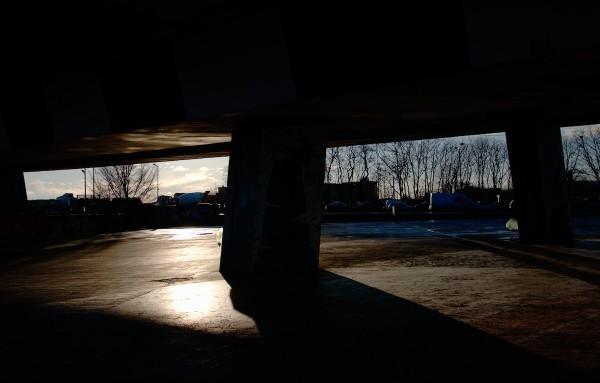 contre jour sous un pont.jpg