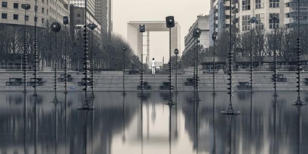 Echo_Urbain_serie_photo_defense_architecture_solitude_ultraviolet_pierre-louis_ferrer (1).jpg