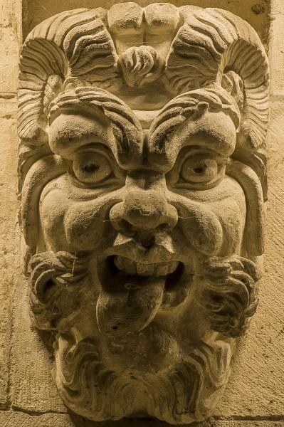 4-masque.thumb.jpg.e3711d1522db23308052b18fa12447d9.jpg