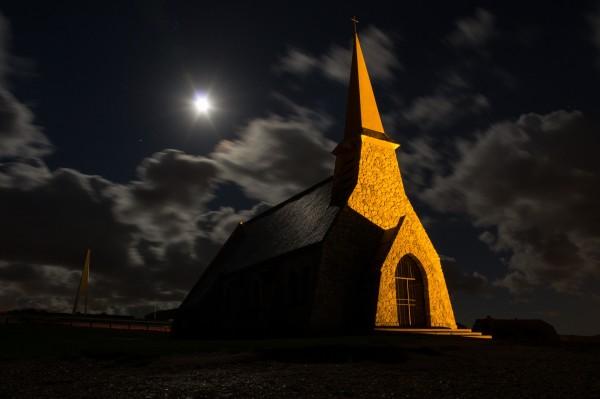chapelle.thumb.jpg.f72f78509551f73f406257b1e316f70d.jpg