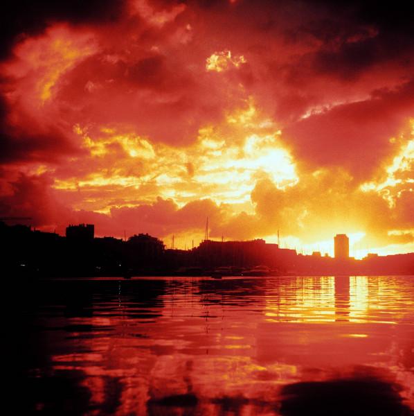 1005459766_sunsetfilmexpir.thumb.jpg.d2d87ffa5c80efeaaf7dd27efe987a63.jpg